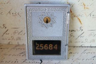 Postaldoor