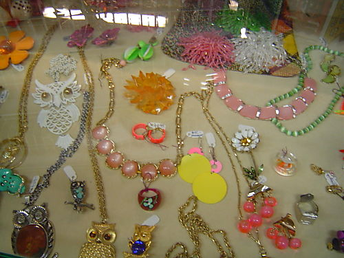 jewelry at Hollywood Regency